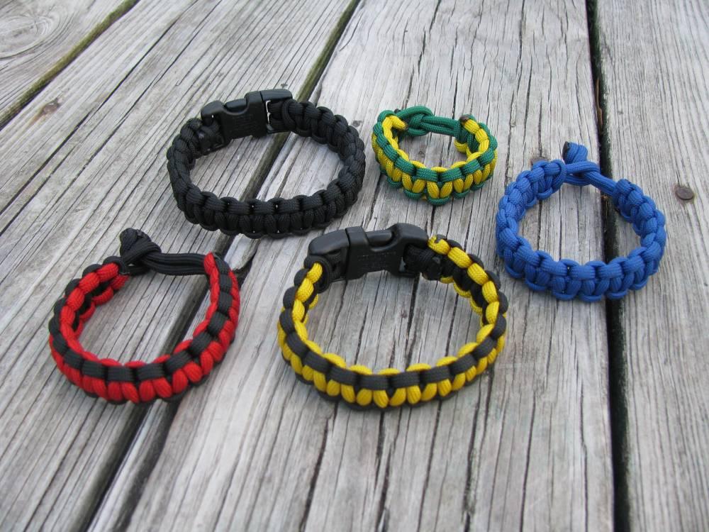 Nylon Survival Bracelets (1/3)